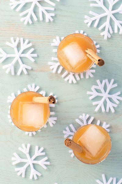 DIY Pipe Cleaner Snowflake Coasters Craft