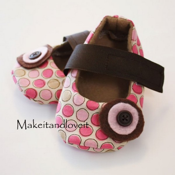 Baby Shoes With Embellishments