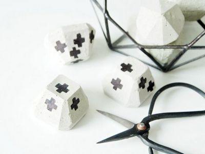 DIY Concrete Paperweights Craft