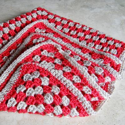 DIY Huge Granny Square Baby Blanket Craft