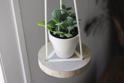 Round Hanging Concrete Table Idea