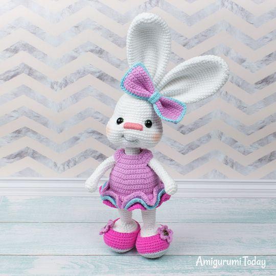 Crochet Pretty Bunny Amigurumi In Dress