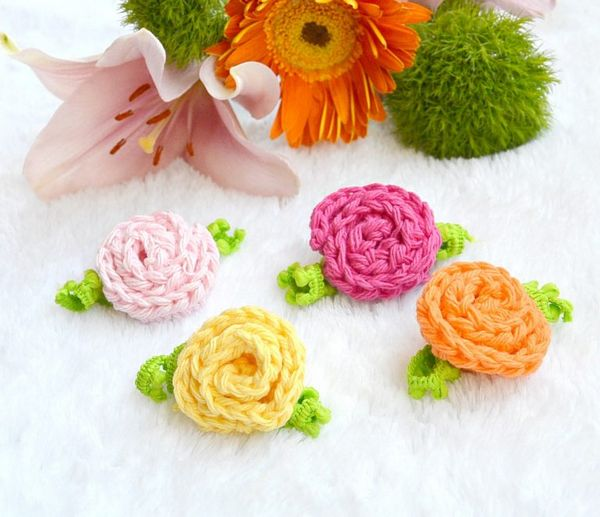 little crochet deco roses