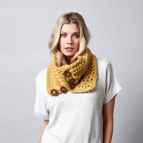 Cool Button Up Crochet Cowl