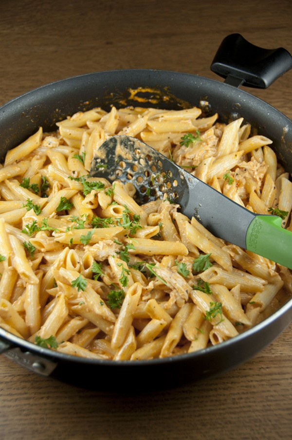 Easy Pasta With Tomato Cream Sauce