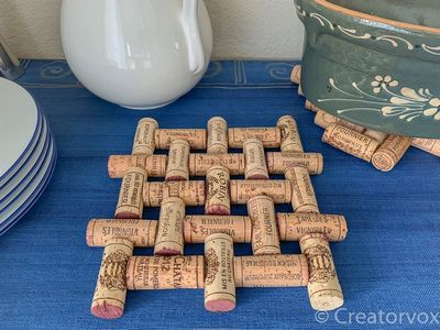 How To Make An Upcycled DIY Wine Cork Trivet Craft