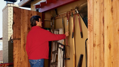How to Make an Under Eaves Storage Locker Free Shed