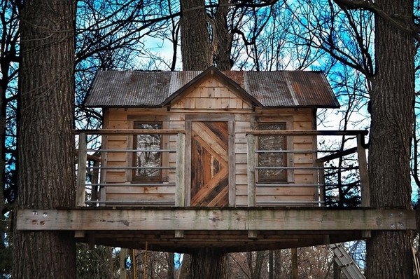 DIY Our Reclaimed Treehouse