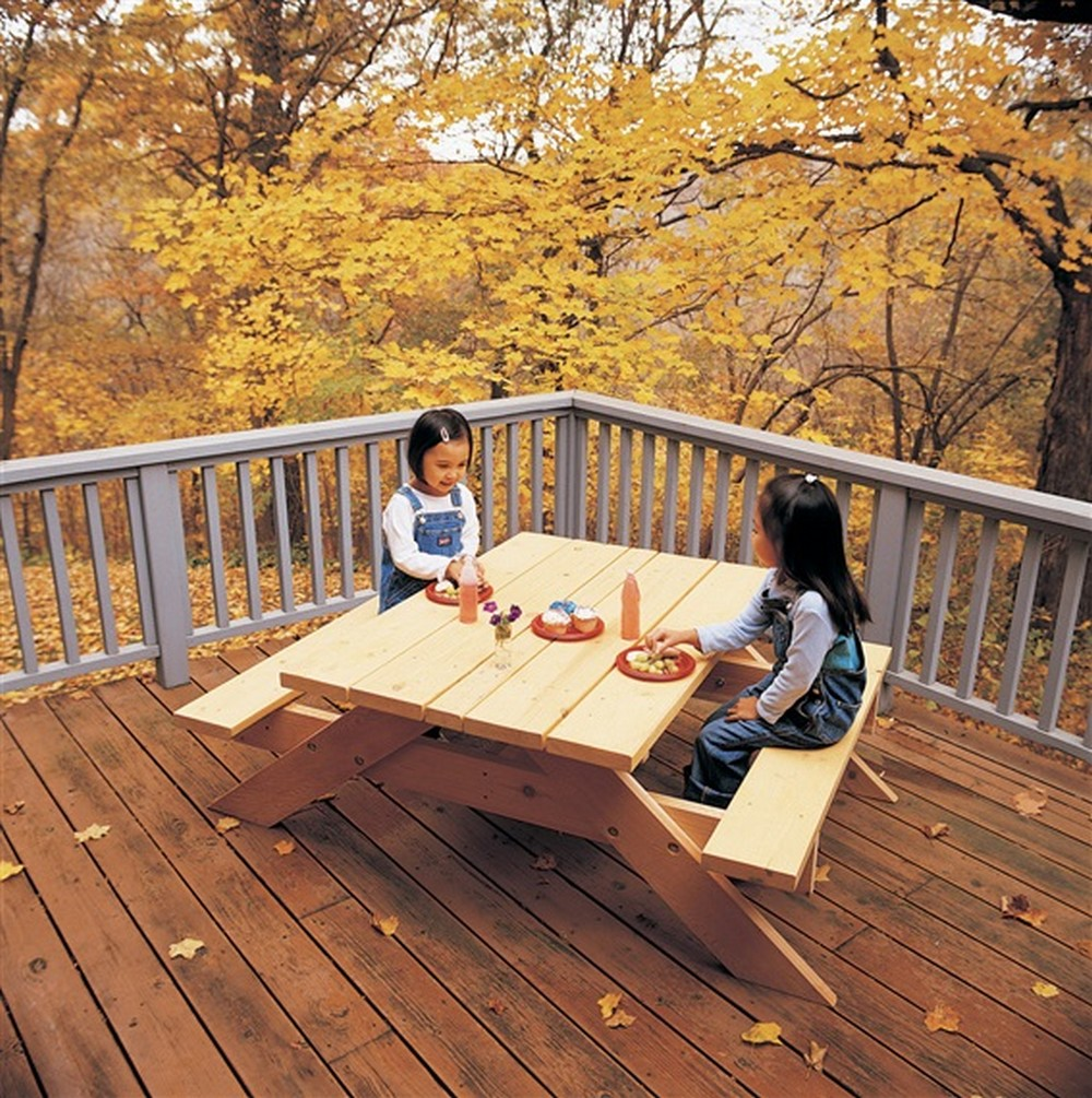 DIY Build A Picnic Table For The Kids
