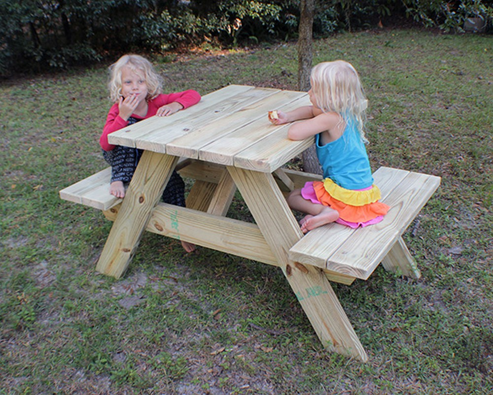DIY How To Make A Picnic Table For Two